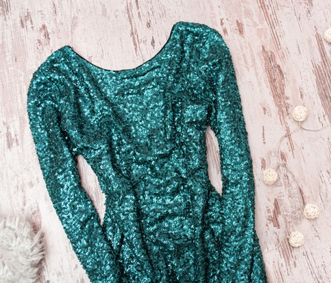 ▷ Cómo lavar tu vestido de lentejuelas: A mano y a lavadora ✅