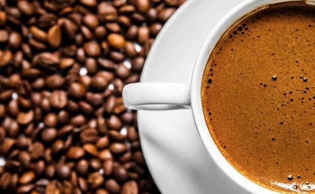 ▷ Cómo teñir ropa negra con café, para recuperar el negro desgastado