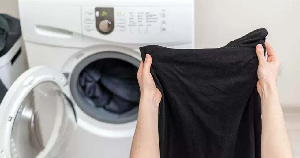 ▷ Quitar pegamento de la ropa negra en casa. ✔Rápido y fácil.